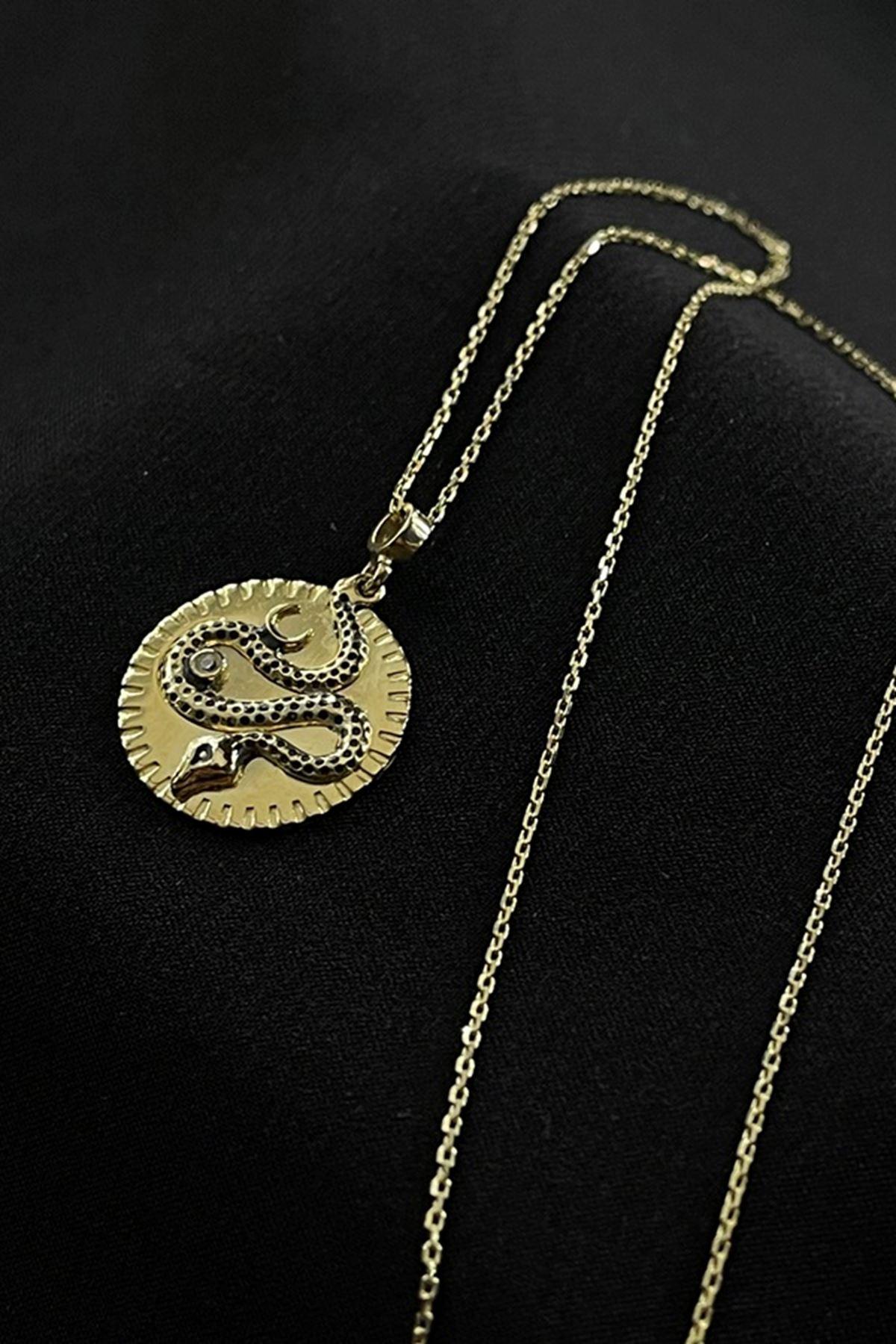 Yılan Motifli Madalyon Kolye KL0263